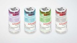 Now also available in colour: the safe 'FlexiCap' for bottles. © Schreiner MediPharm