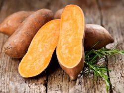 Plastics made from sweet potatoes and thyme is said to provide better barrier protection, so that food will stay fresh for longer. Photo: süskartoffel © karepa, fotolia.com